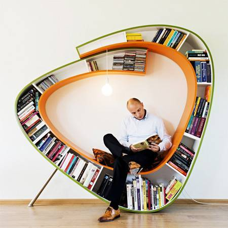 Kitaplıklı ve Kıvrımlı Sandalye -Fishbol'dan